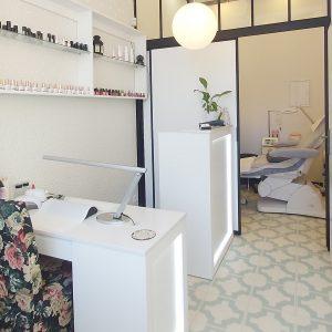 Gabinet Kosmetyczny SUB ROSA manicure klasyczny z malowaniem